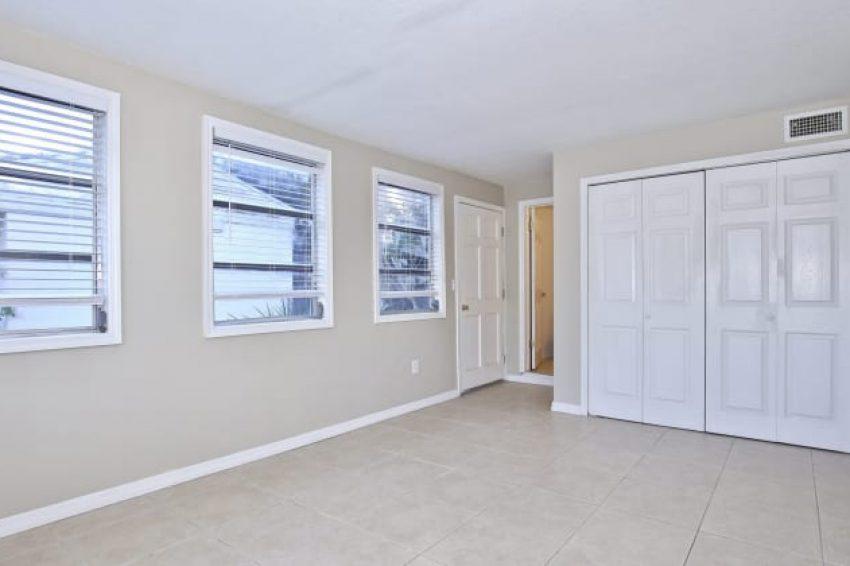 2414 South Elm Avenue - 10