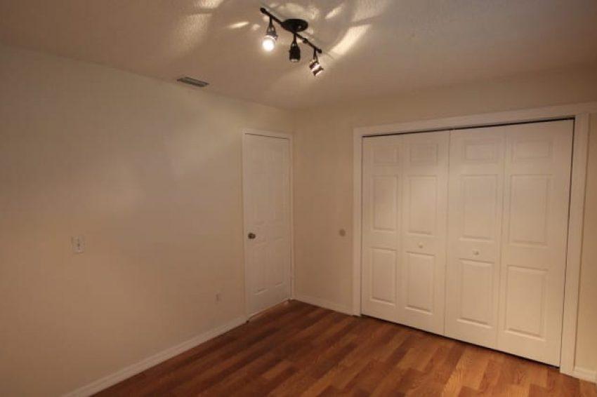 516 W Garrison Ave,Deland, FL 32720 7