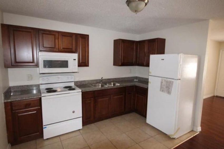 618 Reddick Street Eustis, FL 32726 2