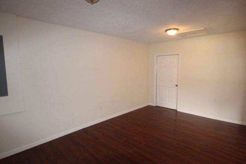 618 Reddick Street Eustis, FL 32726 4