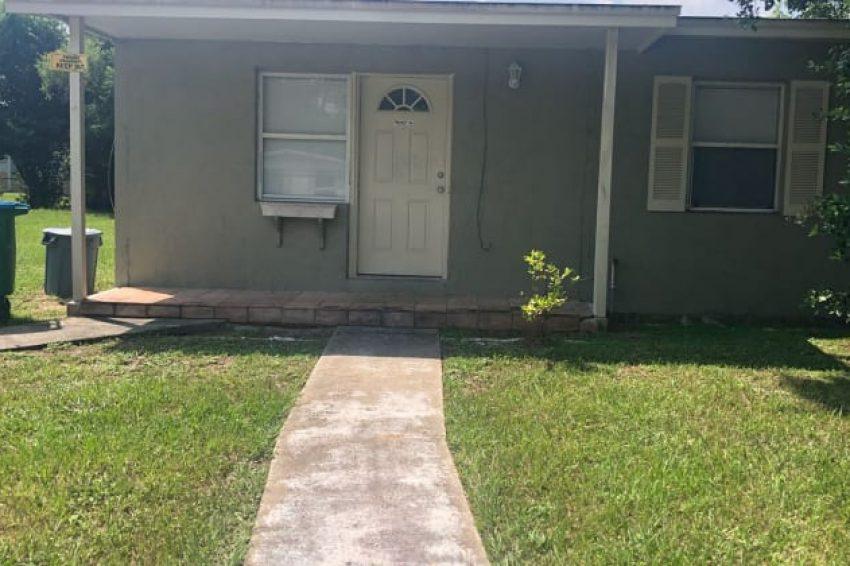 815 Chippendale St, Deltona, FL 32725 2