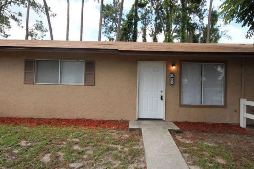 820 Rosewood LN, Tavares, FL, 32778 1